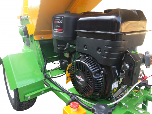 GTS-1500-wood-chipper-wood-shredder-15hp engine-side view left